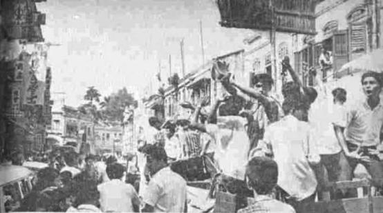 Image result for DAP MEMBAWA PENYAPU BESAR